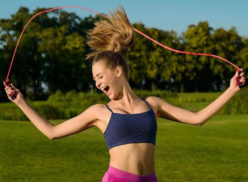 Что лучше бег или скакалка для похудения