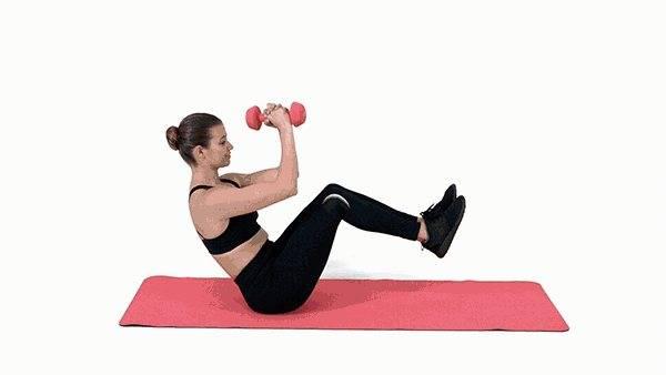 Эффективные упражнения с гантелями на пресс для женщин