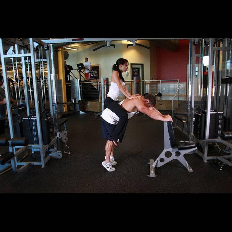 Упражнение ослик: техника и варианты выполнения