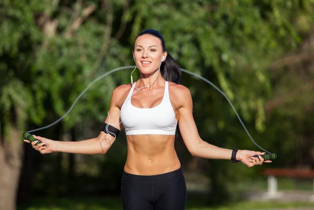 О беге и скакалке для похудения: что лучше, худеют ли ноги от бега, разминка
