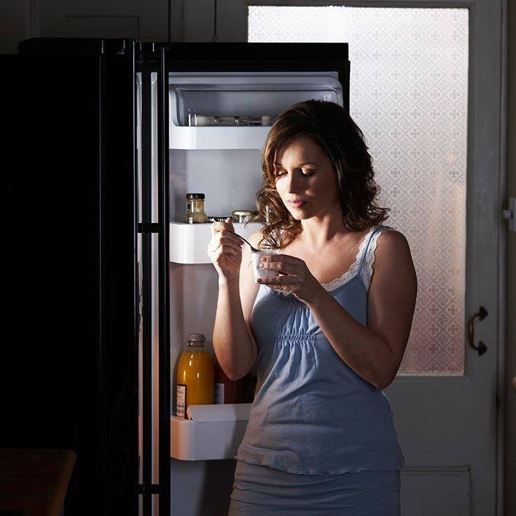 Ночной дожор: что можно съесть перед сном без вреда для здоровья