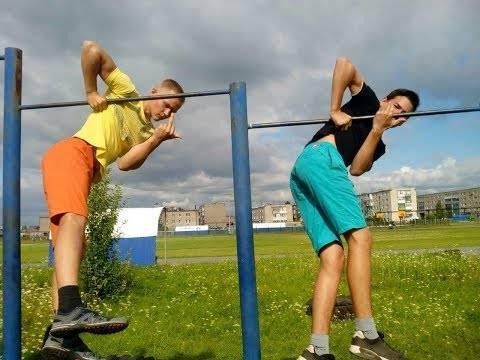 Трюки на турнике, нюансы выполнения, уровни сложности, подъемы, выходы