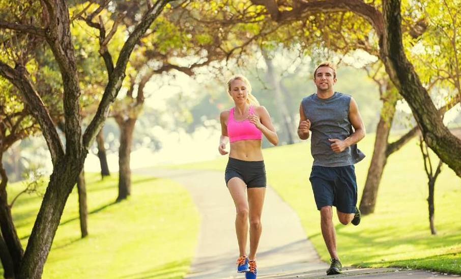 Утренняя зарядка: как делать, какие упражнения выбрать икогда заниматься