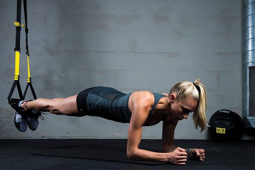 Упражнения с резиновыми петлями для мужчин и женщин