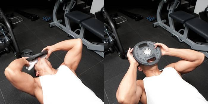 Упражнения для укрепления мышц шеи и подбородка: гимнастика в домашних условиях и зале