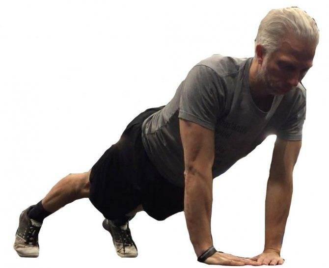 Отжимания узких хватом: что это за упражнение и кому подойдет?