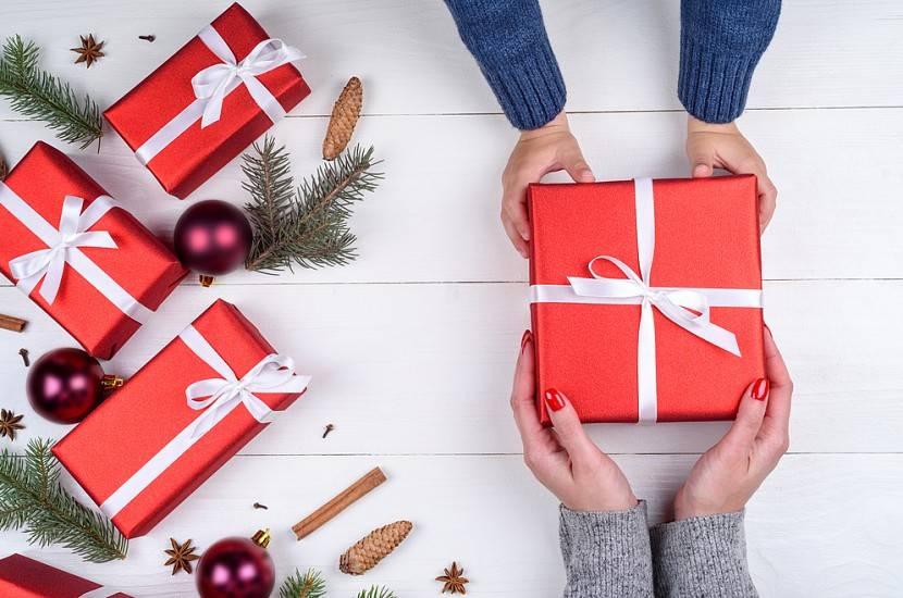 Что подарить родителям на новый год 2020