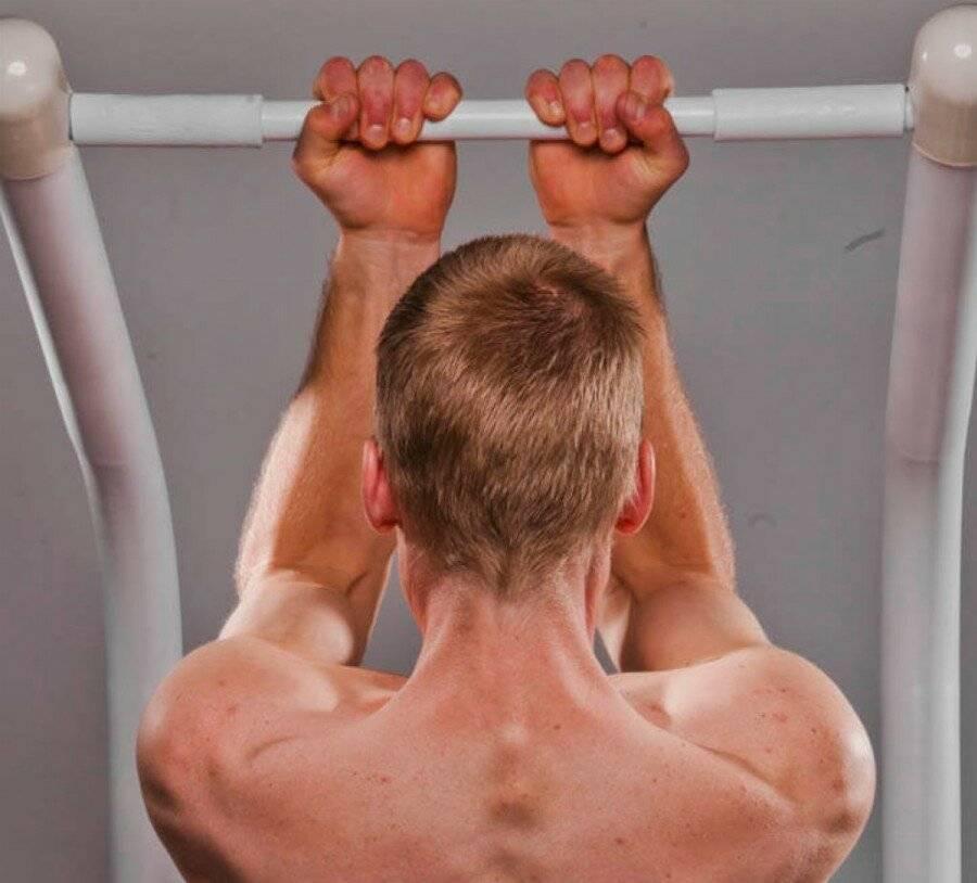 Тренинг для рук: как подобрать упражнения на турнике?