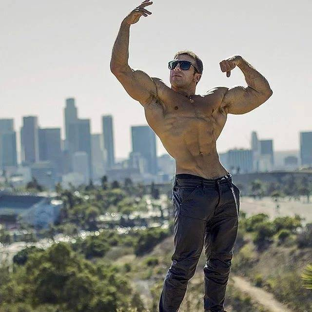 Тави кастро: рост и вес, тренировочная стратегия