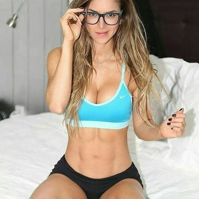 Anllela sagra is a sexy fit girl (29 photos) : thechive