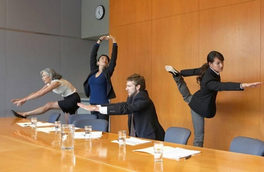 Зарядка в офисе: комплекс упражнений для всех частей тела (видео)  | яблык