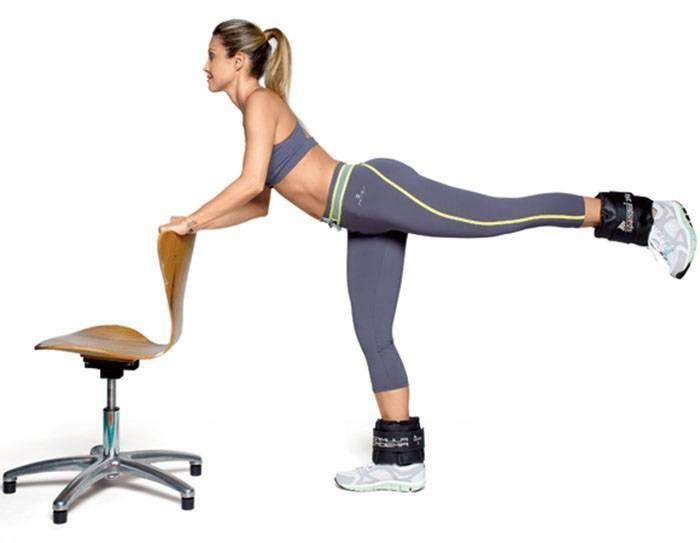 Упражнения с резинкой для ног: 8 эффективных способов привести фигуру в порядок