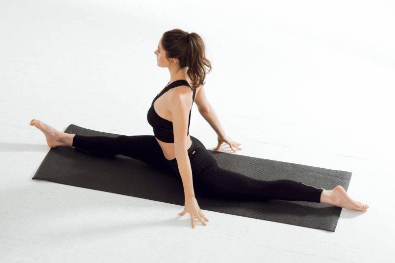 Продольный шпагат: как сесть за короткий срок, основные ошибки и комплексы упражнений