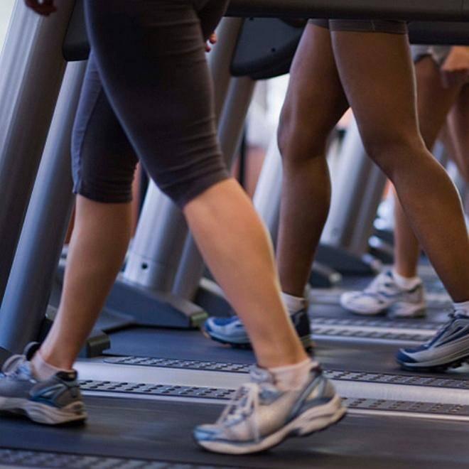 Ходьба на беговой дорожке для похудения: как правильно, оптимальная скорость, польза, суть интервального метода