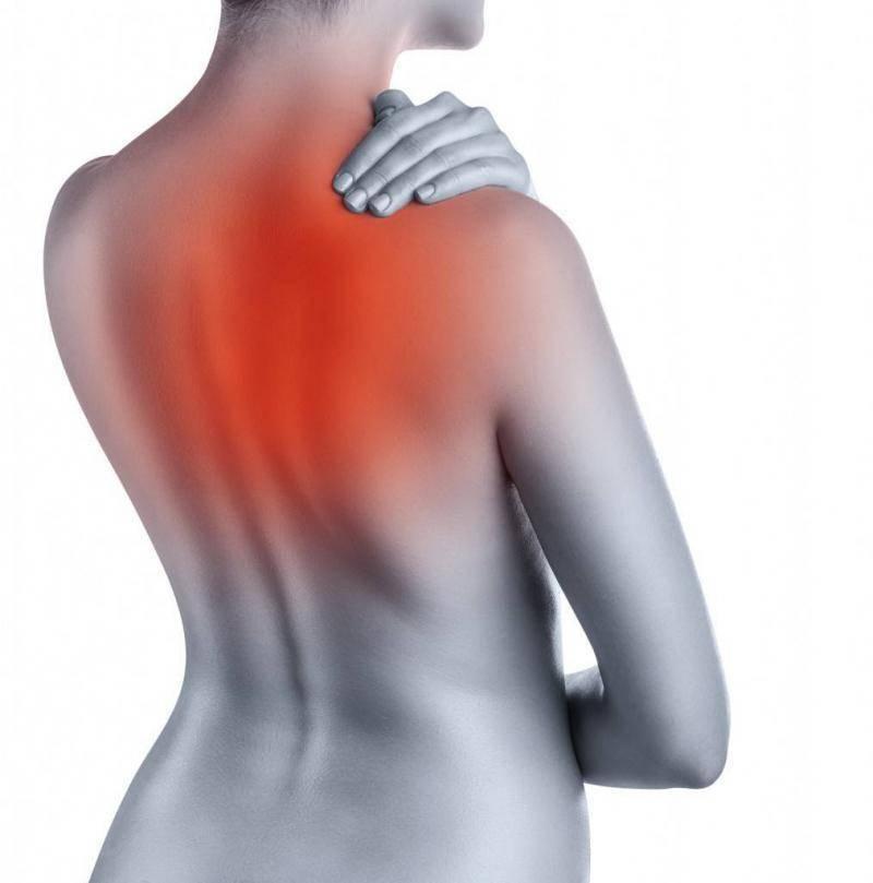 Боль в спине между лопатками — что делать?