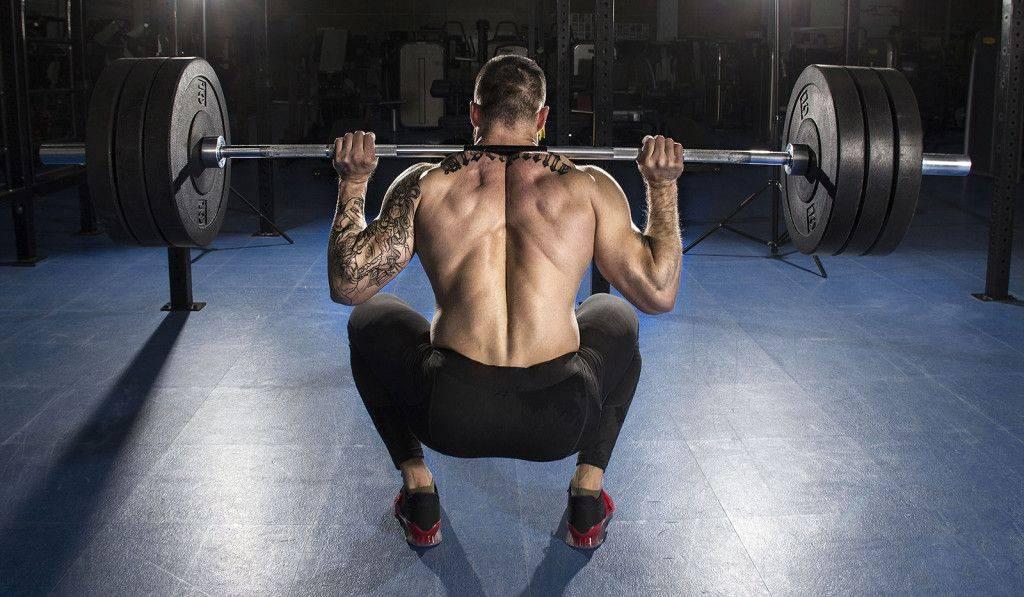 Чем заменить приседания со штангой - 10 упражнений