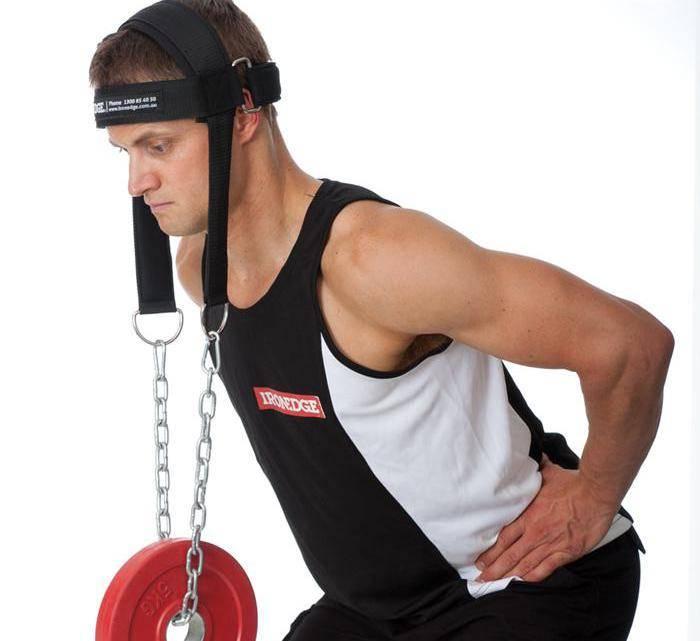 Как накачать шею в домашних условиях: упражнения и предостережения