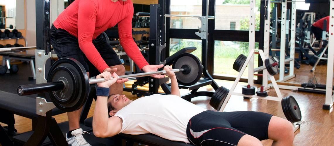 Занятия в тренажерном зале для начинающих девушек без тренера для похудения. упражнения