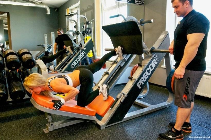 Вертикальный жим ногами в тренажере: работа мышц при жиме вертикальной платформы