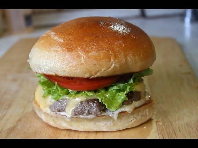 Булочки для гамбургеров — 8 рецептов, как сделать пышные и вкусные