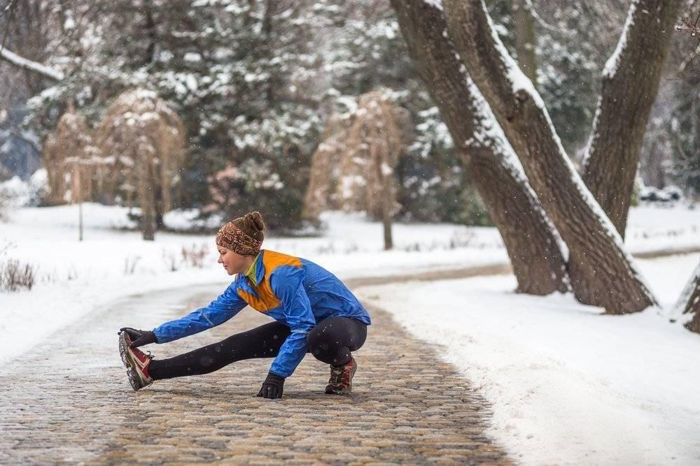 Как бегать зимой на улице: особенности, техника, советы