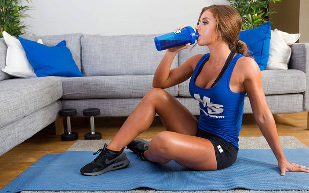 Спортивное питание для женщин: с чего начать и как принимать спортпит девушкам и какой выбрать новичкам