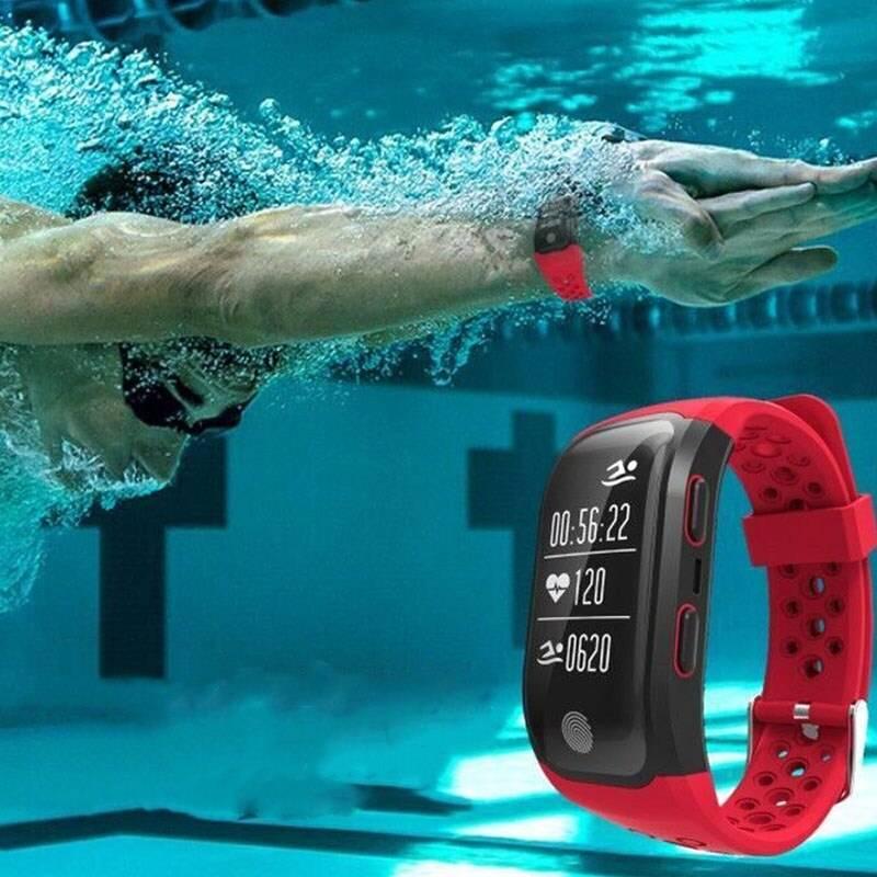 Топ-10 фитнес-браслетов для плавания в бассейне
