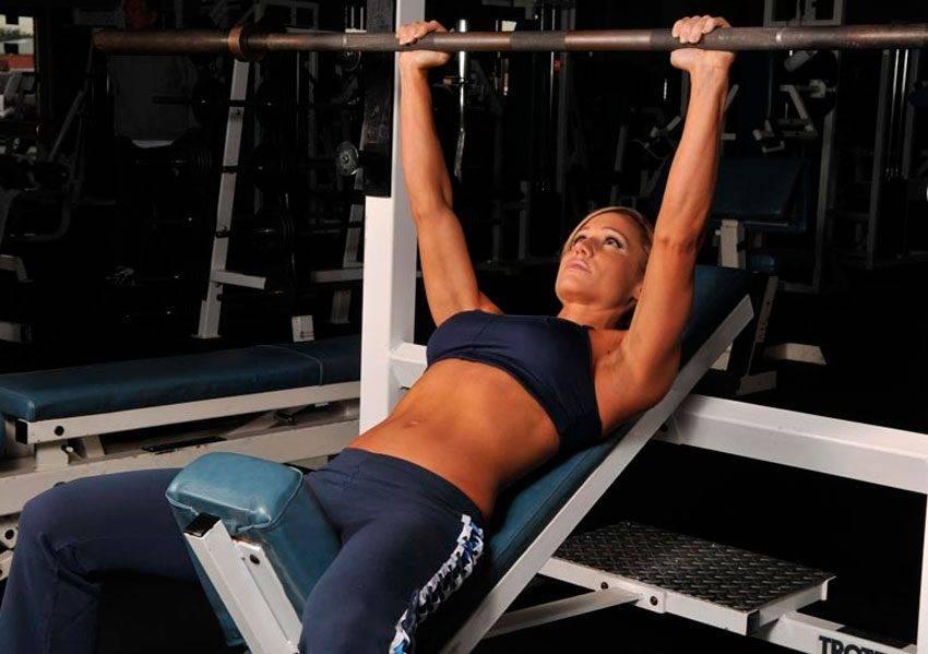 Комплекс упражнений в тренажерном зале для женщин - узнайте как похудеть и поддерживать свое тело в форме!