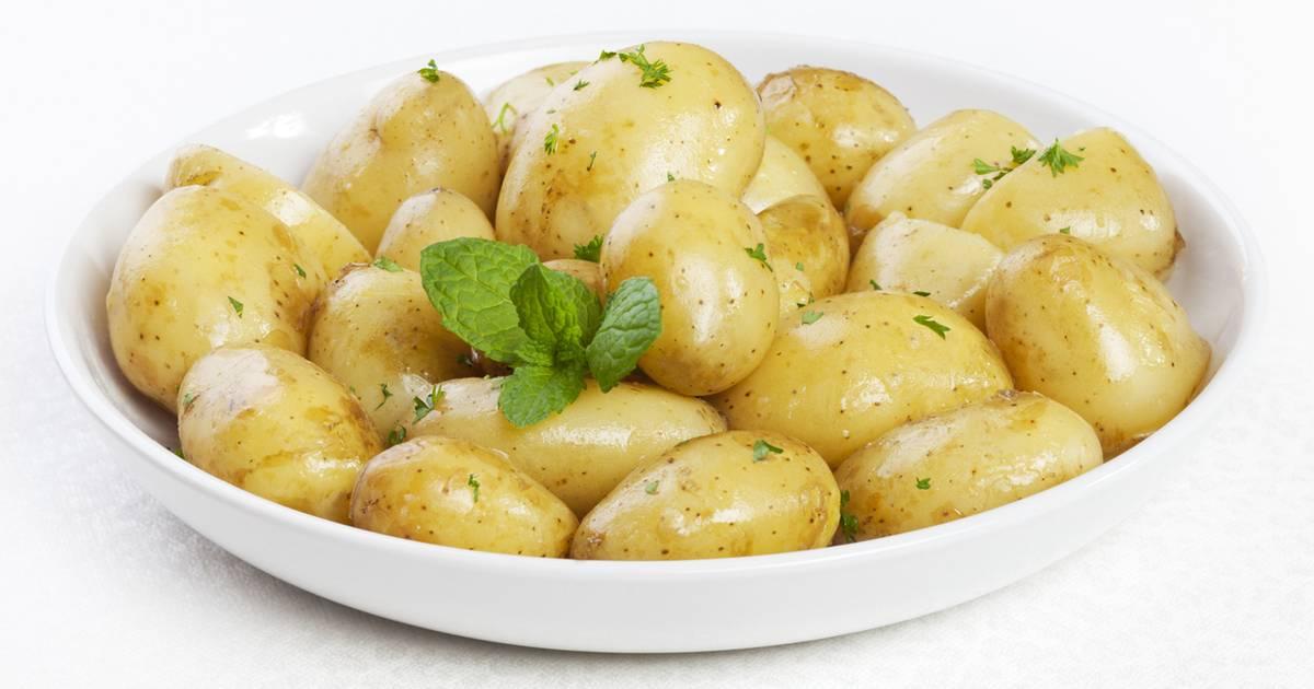 Сколько калорий в картошке (пюре, вареной, жареной) на 100 грамм