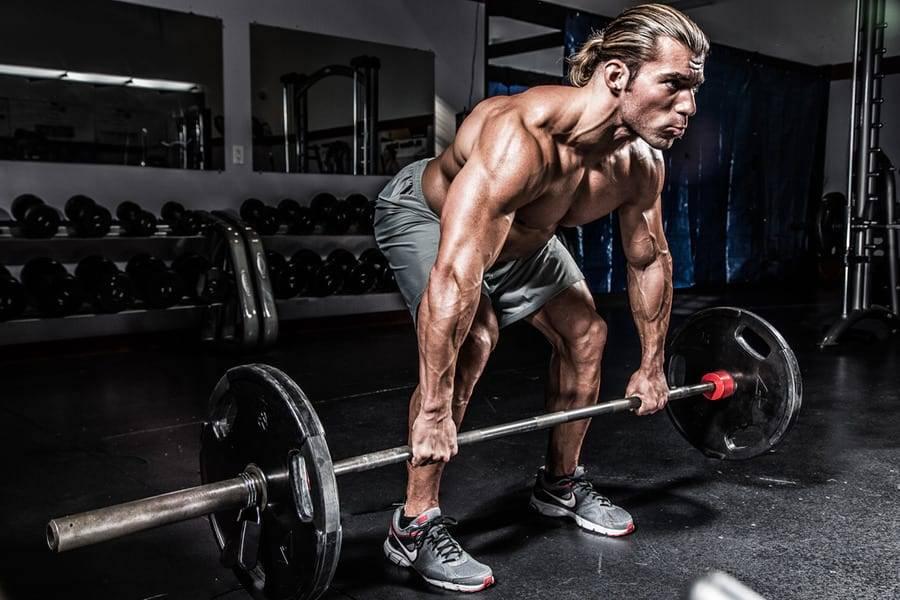 Тяга штанги в наклоне: ошибки, варианты правильного выполнения упражнения