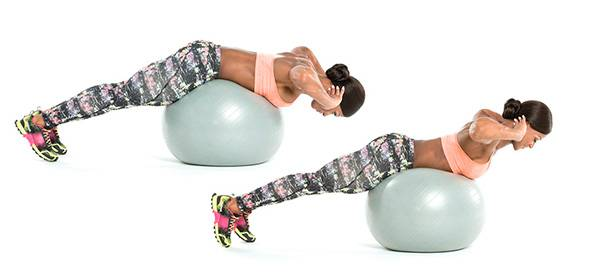 Как правильно делать гиперэкстензию на полу чтобы не травмировать спину?