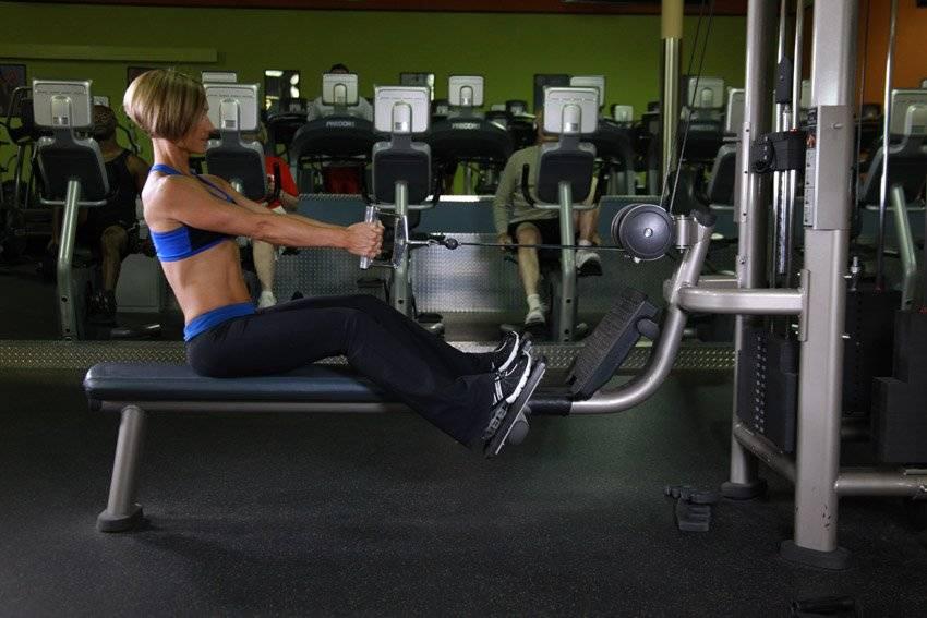 Упражнения на спину в тренажерном зале-комплекс для укрепления позвоночника