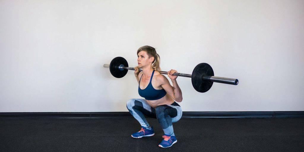 Приседания: польза для мужчин и женщин и правильная техника выполнения