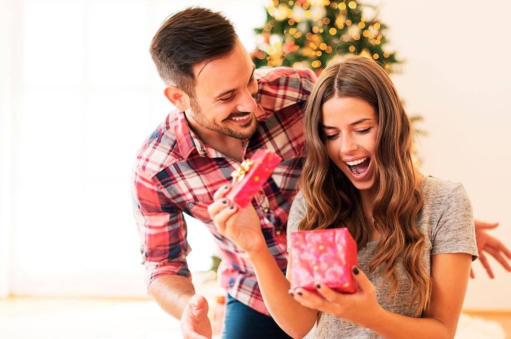 Что подарить девушке на первом свидании - топ 200 классных подарков на первую романтичную встречу с девушкой