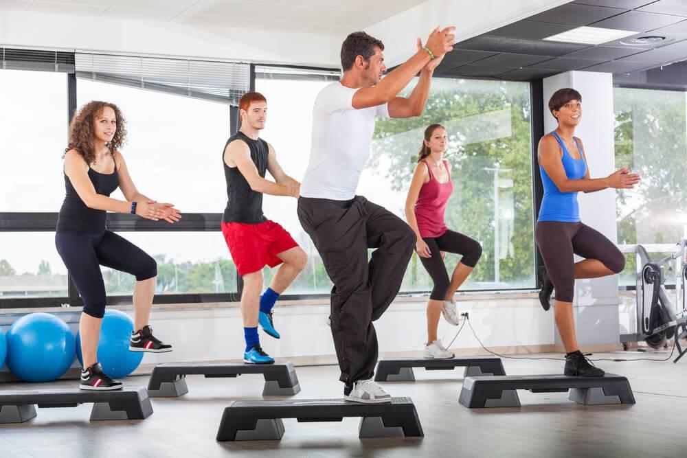 Какие упражнения нельзя делать при варикозе ног, а какие будут полезны? - tony.ru