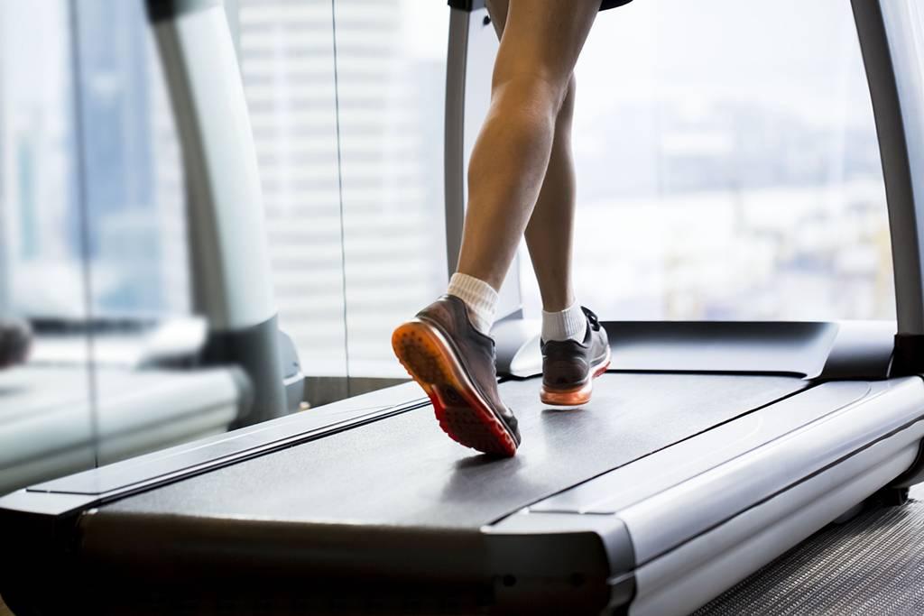 Можно ли похудеть на беговой дорожке и как это правильно делать