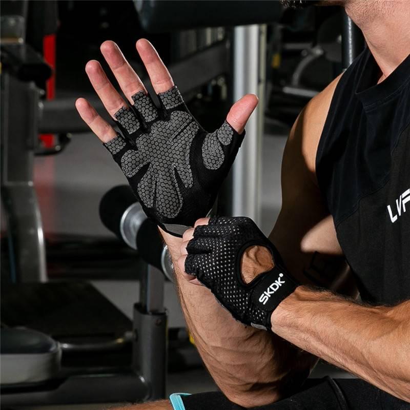 Мужские перчатки для фитнеса: особенности выбора