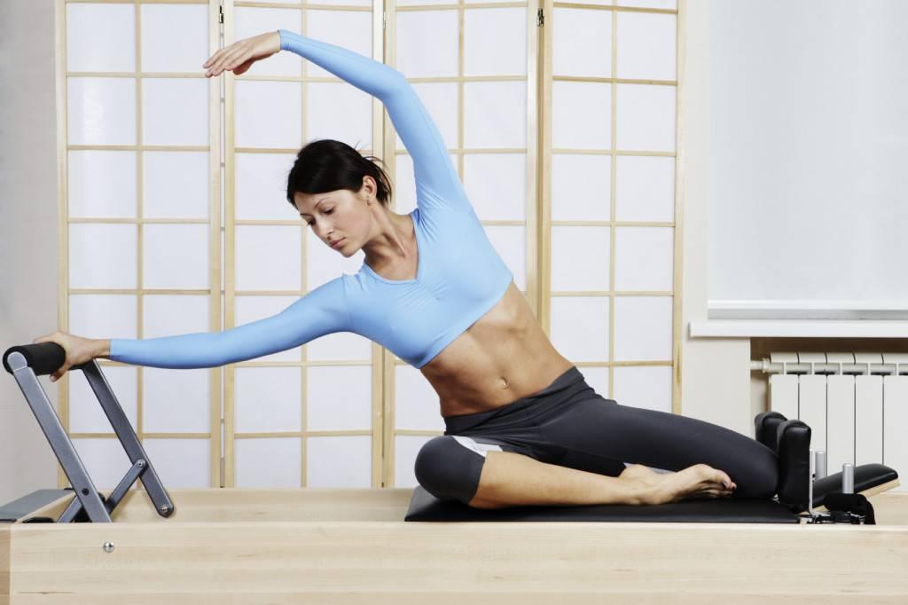 Можно ли заниматься фитнесом во время месячных? физические упражнения, которые можно делать в период критических дней