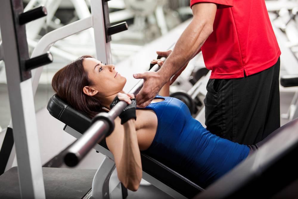Зачем нужен тренер в тренажерном зале, и сколько с ним следует заниматься новичкам?