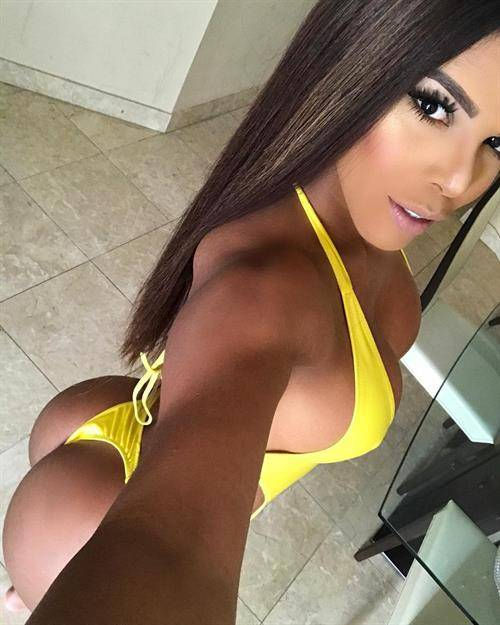 Yarishna ayala - greatest physiques