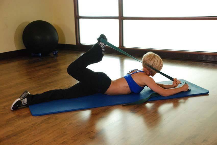Как сесть на шпагат: упражнения для растяжки в домашних условиях для начинающих