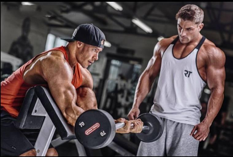 5 мощных упражнений на бицепсы, которые увеличат их в два раза
