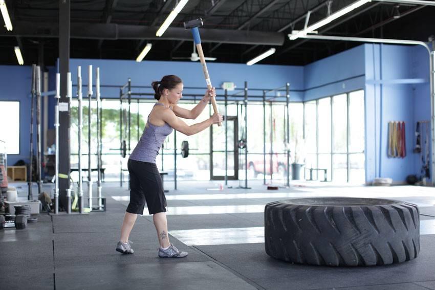 Упражнения с покрышкой в кроссфите: польза и техника выполнения - workout crew