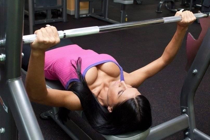 Как накачать грудь девушке: женские упражнения для грудных мышц