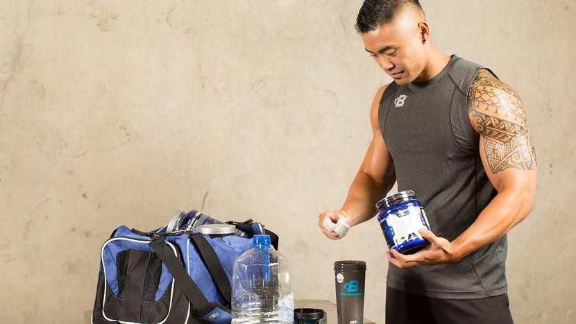 Какое спортивное питание выбрать новичкам для роста мышц?