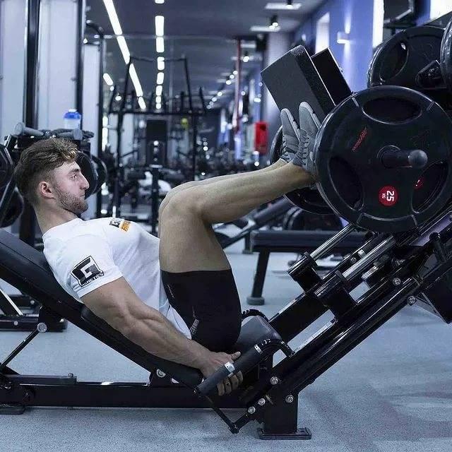 Упражнения в тренажерном зале: названия, правильное выполнение, базовое понятие, рекомендации и советы тренеров - tony.ru