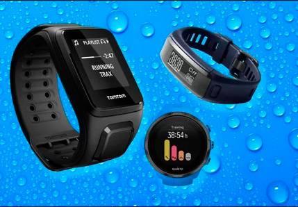 Фитнес-браслет для плавания в бассейне с пульсометром: обзор моделей и правила выбора