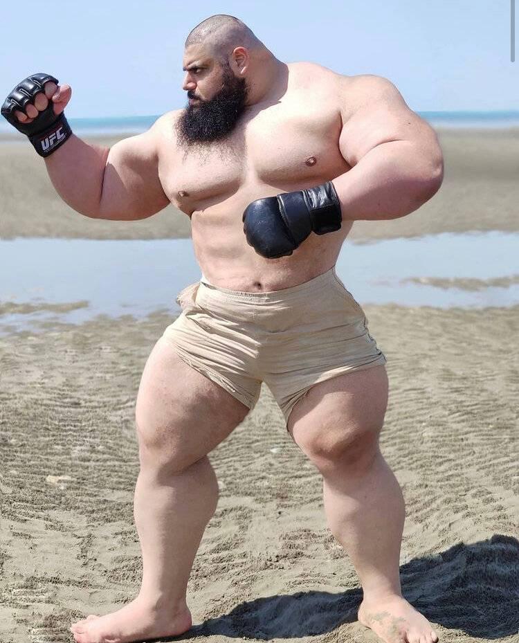 """""""иранский халк"""" дебютирует в кулачных боях. мир мма захлестнула волна гигантов. ► последние новости"""