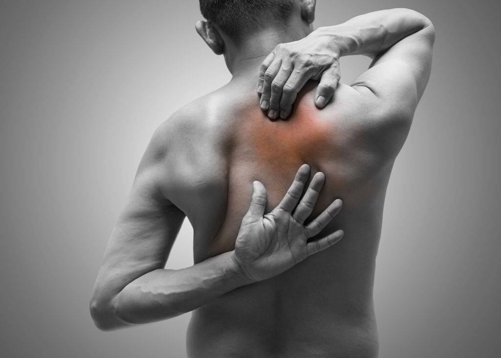 Боль в спине между лопатками - что делать? - невролог, психотерапевт - киев