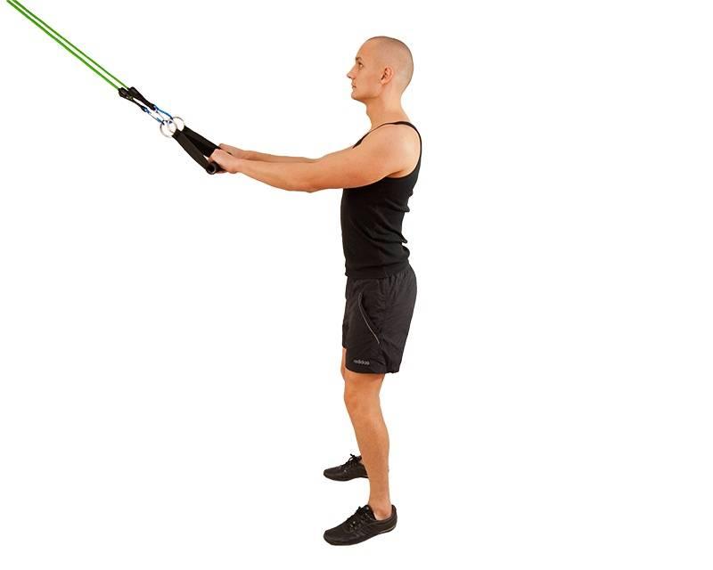 Резиновый жгут и эспандер: упражнения, преимущества спортивных жгутов и тренировки для мужчин и женщин
